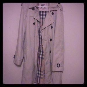 Burberry light weight spring trench coat